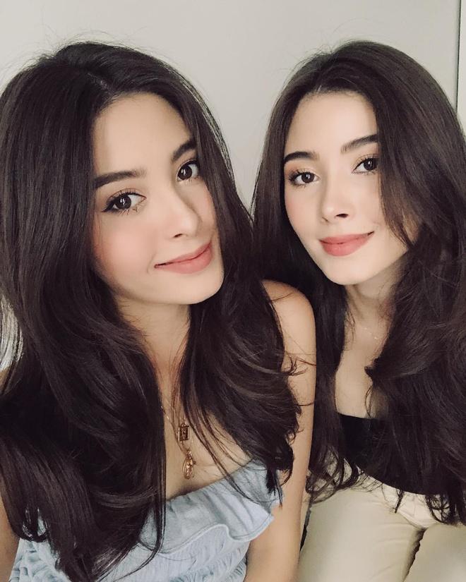 Cap song sinh Thai Lan noi tieng vi xinh dep, co cuoc song sang chanh hinh anh 4