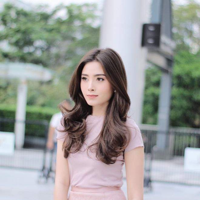 Cap song sinh Thai Lan noi tieng vi xinh dep, co cuoc song sang chanh hinh anh 13