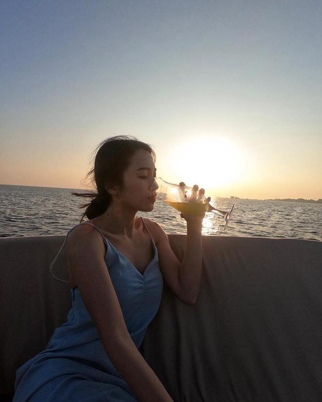 Hot girl Lao goc Viet co cuoc song the nao sau khi lay chong dep trai? hinh anh 11
