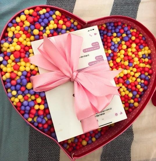 In 273 trang tin nhan tu luc tan tinh den khi hen ho lam qua Valentine hinh anh 1