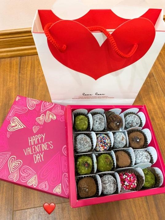 Tien Linh, Tien Dung tang vong vang, Dinh Trong don Valentine o Han hinh anh 7