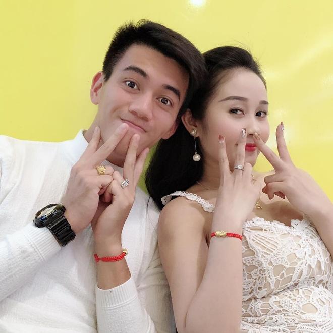 Tien Linh, Tien Dung tang vong vang, Dinh Trong don Valentine o Han hinh anh 2