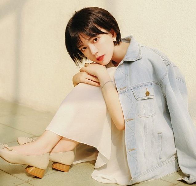 Nhan sac nu sinh Sai Gon 'phu song' dien dan hot girl chau A hinh anh 5