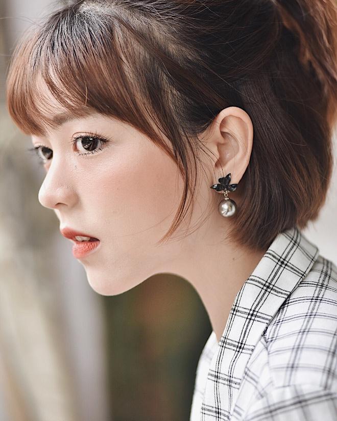 Nhan sac nu sinh Sai Gon 'phu song' dien dan hot girl chau A hinh anh 9
