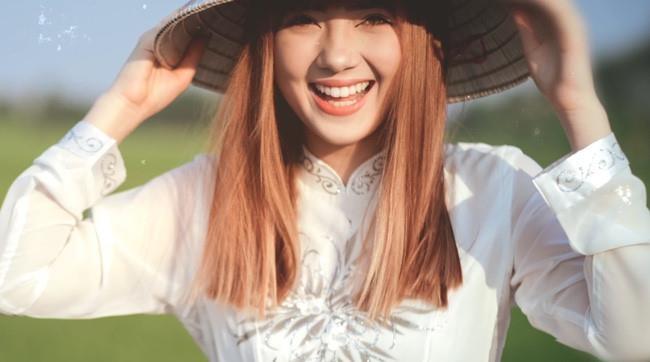 Hot girl Thai cover 'Beo dat may troi' ngay cang noi loan va sexy hinh anh 1