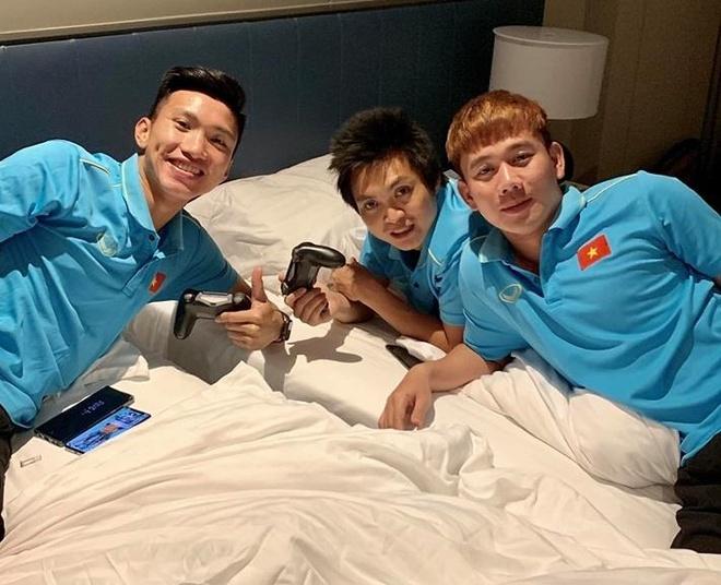 Minh Vuong hop mat team Thai Binh, fan 'lay loi' ghep ca Son Tung M-TP hinh anh 1
