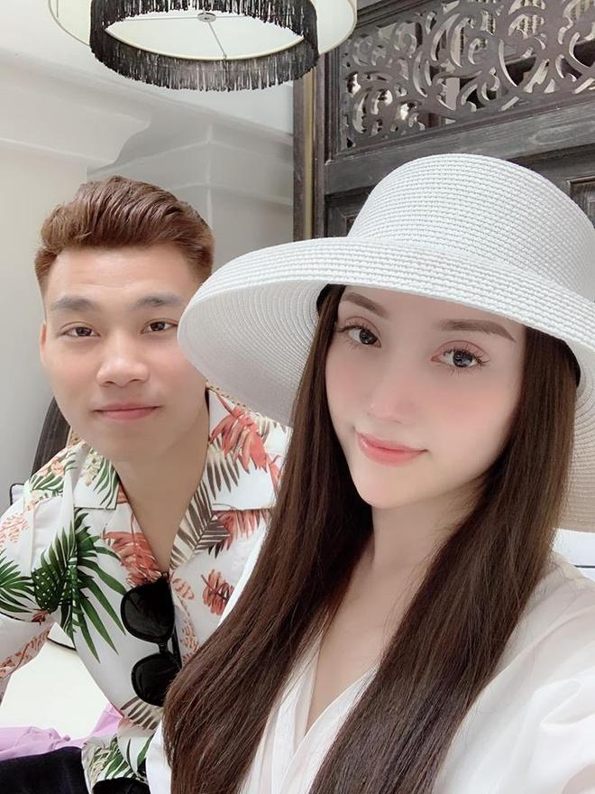 Van Thanh, Dinh Trong va cac cau thu noi tieng voi tinh yeu lau ben hinh anh 9