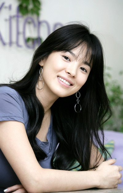 Song Hye Kyo truoc tuoi 30: Cha me ly hon, the chat yeu duoi hinh anh 6