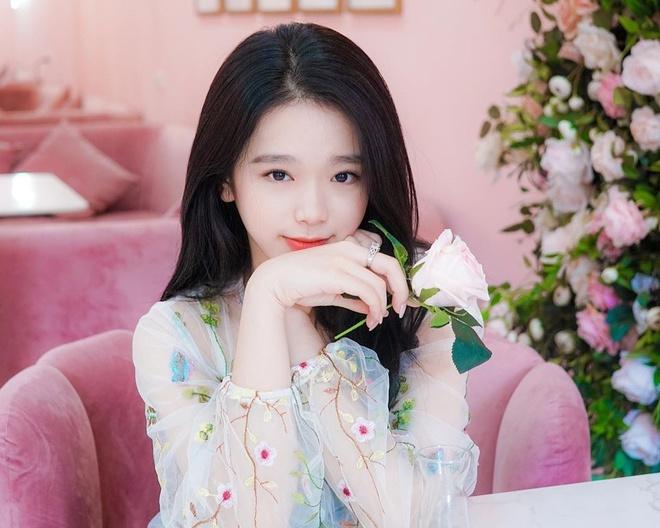 Linh Ka - tu hot girl 10X tai tieng den 'ban gai tin don' cua Will hinh anh 1