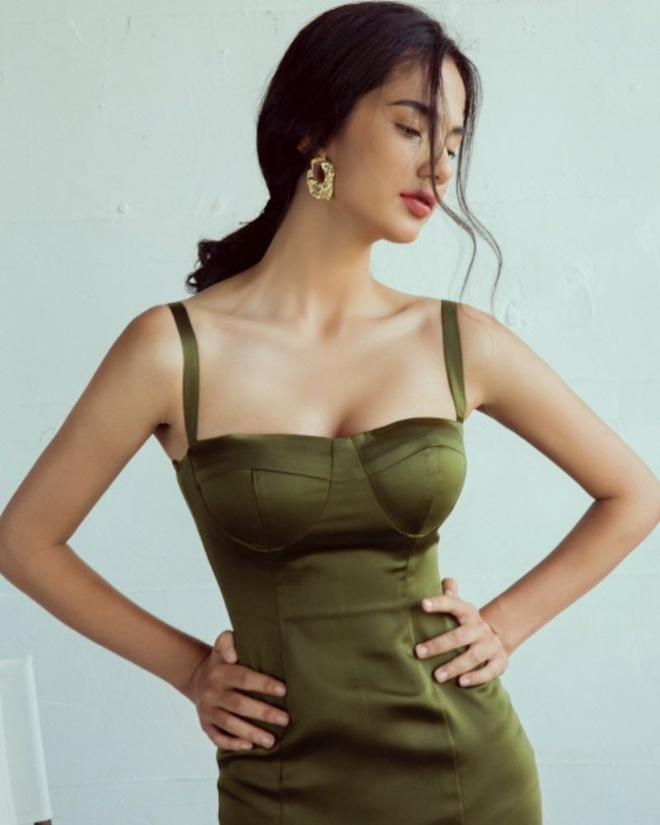 Ca si Doan Trang va dan sao Viet co con gai lai Tay, dam me nghe thuat hinh anh 2