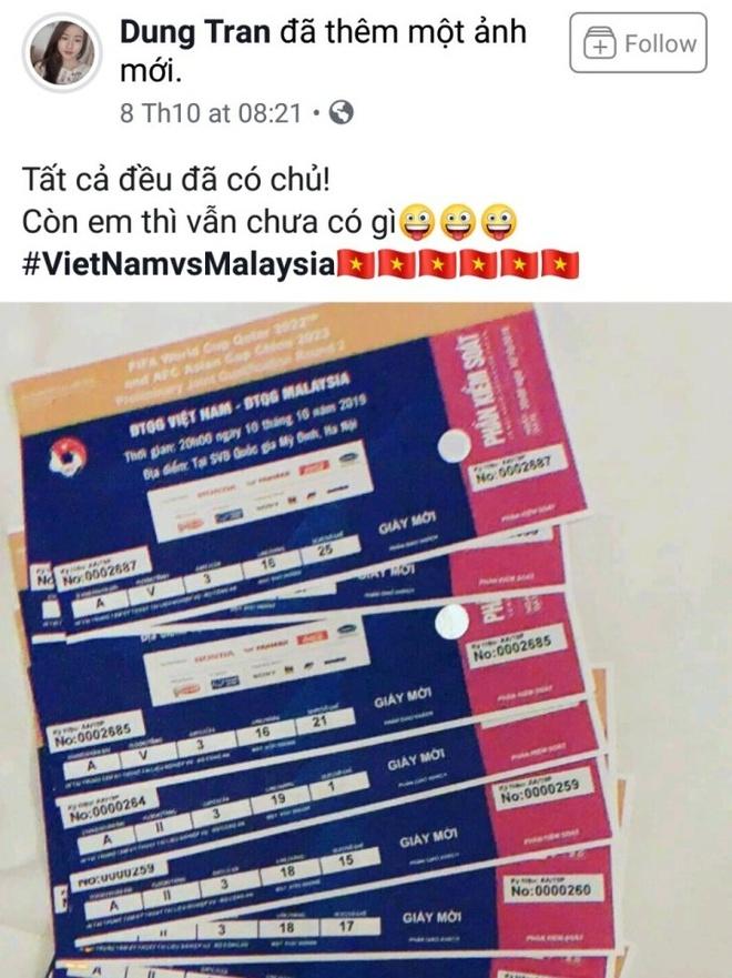 Ban gai Huy Hung, Xuan Manh khoe ve VIP xem tran Viet Nam - Malaysia hinh anh 2
