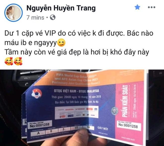 Ban gai Huy Hung, Xuan Manh khoe ve VIP xem tran Viet Nam - Malaysia hinh anh 3
