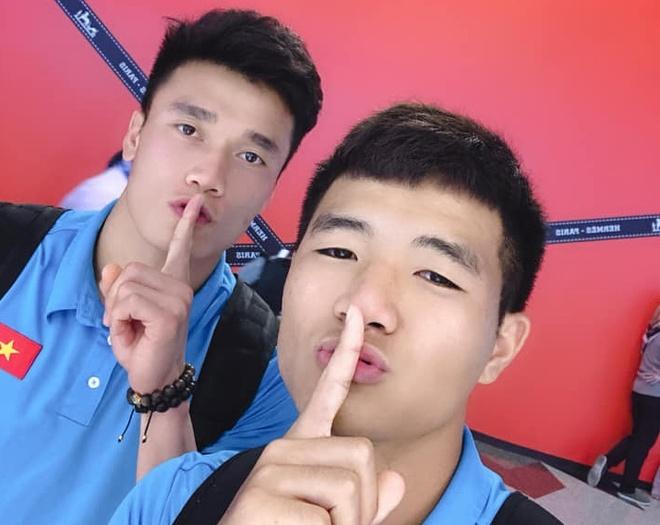 Duc Chinh - Tien Dung va nhung cap cau thu U22 duoc fan yeu thich hinh anh 2