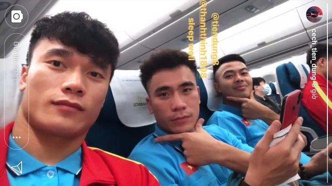 Duc Chinh, Dinh Trong khoe anh chup voi dong doi, check-in Han Quoc hinh anh 2 m44.jpg