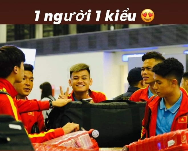 Duc Chinh, Dinh Trong khoe anh chup voi dong doi, check-in Han Quoc hinh anh 8 m47.jpg