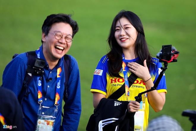Phong vien Han Quoc va nhung co gai gay thuong nho tai VCK U23 chau A hinh anh 2 c13.jpg