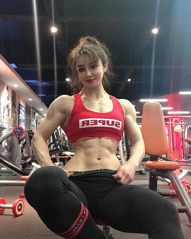 'Hot girl bac si' duoc khen ngoi vi ung ho tien chong dai dich corona hinh anh 4 yuanherong1229_75487946_874536669629713_4846250324902151461_n.jpg