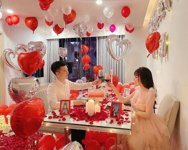 Âu Hà My khoe được chồng tạo bất ngờ trong ngày Valentine.