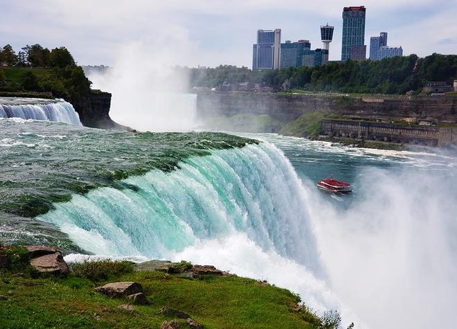 Thac Niagara khac la nhin tu hai phia My va Canada hinh anh