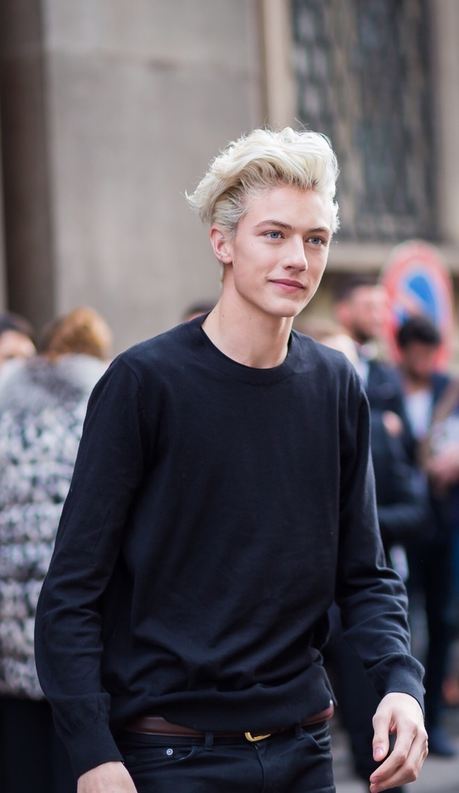 Lucky Blue Smith lam cha anh 4