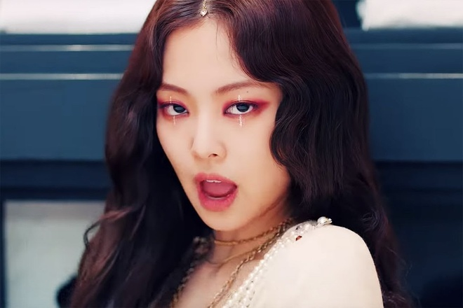 Jennie make up anh 10