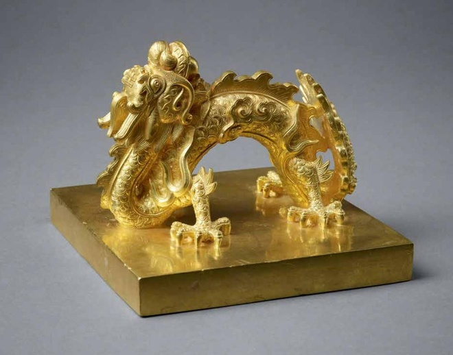 Lịch sử ấn báu bằng vàng khối, ngọc quý của vua triều Nguyễn