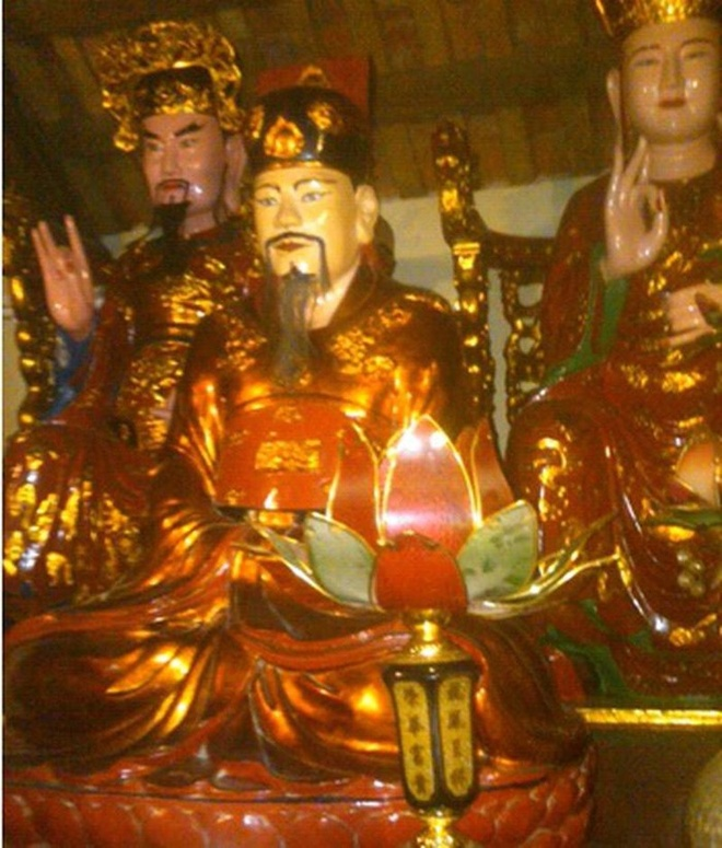 Nam Canh Ty,  nien hieu vua Viet,  Trinh Tung,  Le Kinh Tong anh 2
