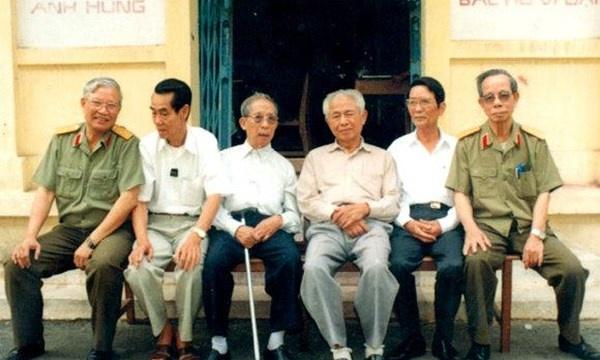 tinh bao Viet Nam,  Muoi Huong,  Dang Tran Duc,  Ba Quoc anh 1