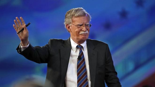 Tan co van an ninh My John Bolton: Su tro lai cua dieu hau hinh anh