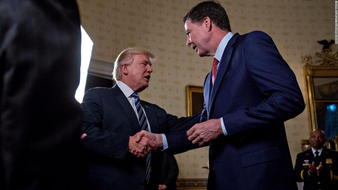 Cuu giam doc FBI: Trump tung muon bo tu cac nha bao hinh anh