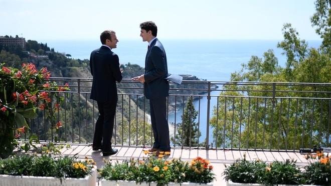 Nam dau cua Macron: Noi tieng the gioi, bi tay chay tai Phap hinh anh 2