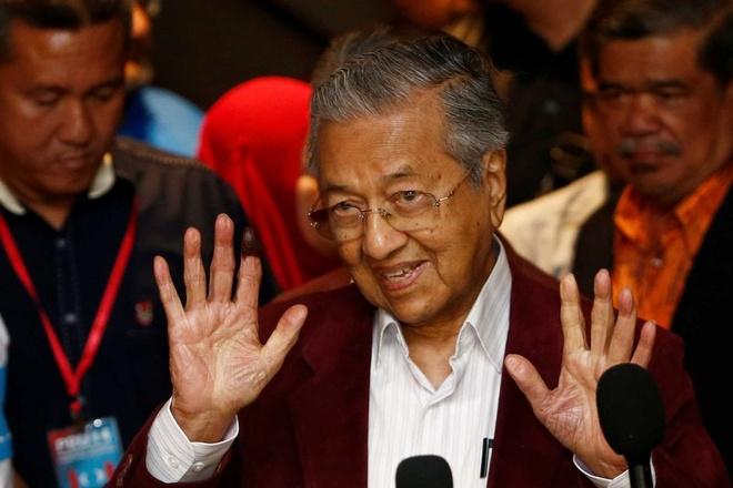 O tuoi 92, Mahathir bat ngo chien thang trong tuyen cu Malaysia hinh anh