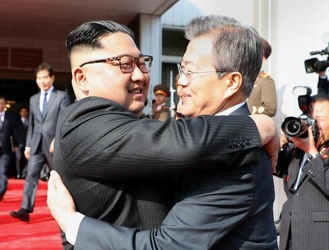 Kim Jong Un bat ngo gap Moon Jae In lan 2 o Ban Mon Diem hinh anh