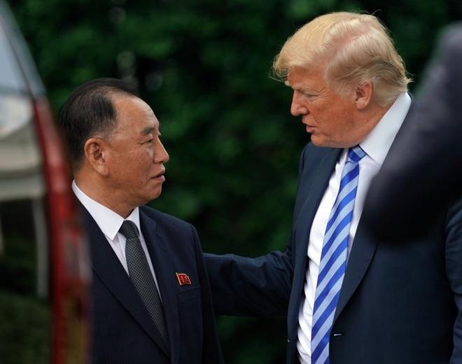 Tong thong Trump se gap ong Kim Jong Un vao ngay 12/6 hinh anh