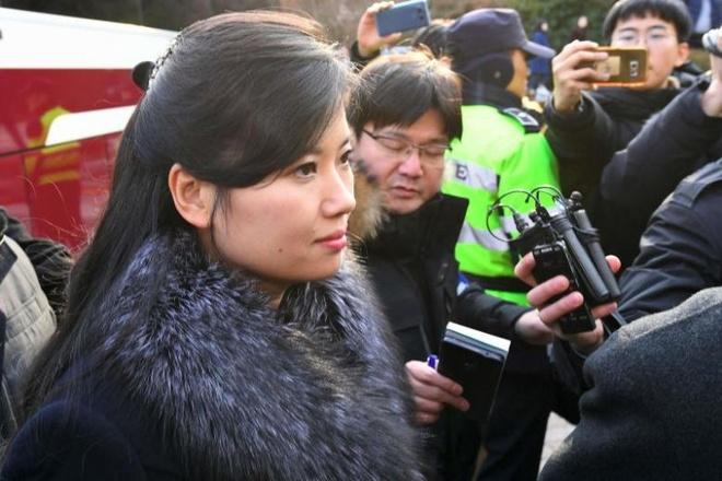 Nu ca si Trieu Tien thap tung Kim Jong Un den Singapore hinh anh