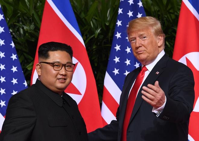 Trump - Kim no luc la the, Nobel Hoa binh van xa tam tay hinh anh 3
