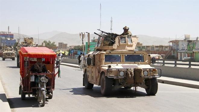 Taliban tai Afghanistan tu choi ngung ban, bat coc them 200 nguoi hinh anh 2