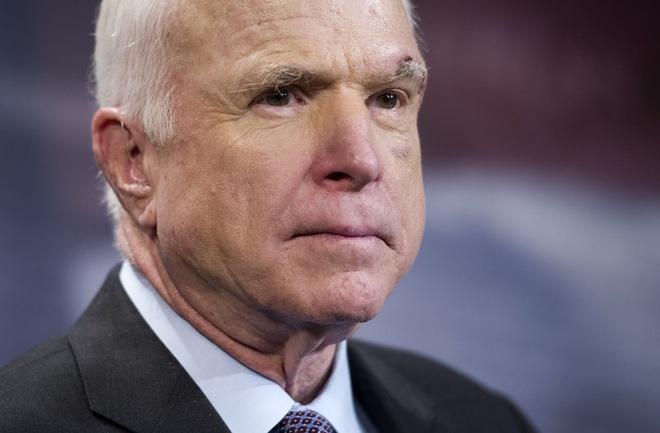 Tang le TNS John McCain se dien ra duoi vom Dien Capitol hinh anh
