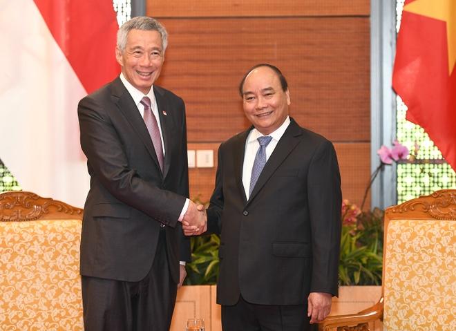 Thu tuong Nguyen Xuan Phuc tiep Thu tuong Singapore Ly Hien Long hinh anh 1