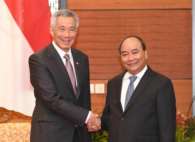 Thu tuong Nguyen Xuan Phuc tiep Thu tuong Singapore Ly Hien Long hinh anh
