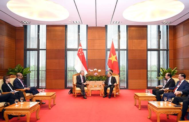 Thu tuong Nguyen Xuan Phuc tiep Thu tuong Singapore Ly Hien Long hinh anh 2