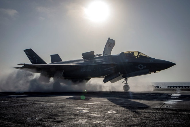 My dinh bay toan bo phi doi F-35 tren the gioi sau su co roi hinh anh