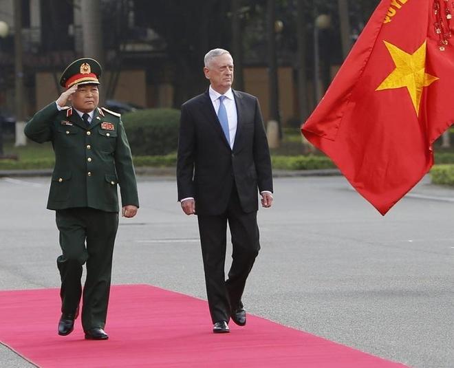 Bo truong Mattis tham VN, thuc day hop tac quoc phong Viet - My hinh anh