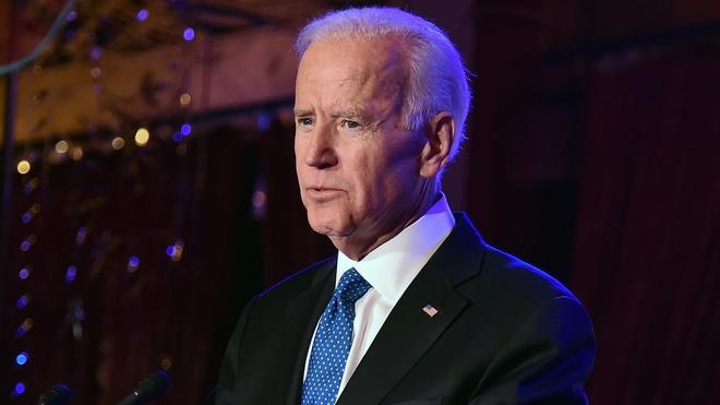Them kien hang nghi chua bom gui cho cuu Pho tong thong Joe Biden hinh anh