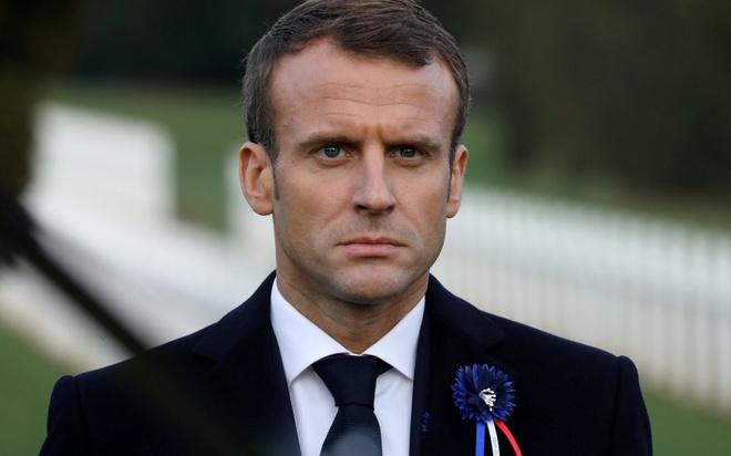 TT Macron bi chi trich vi muon tuong niem cuu dong minh phat xit hinh anh