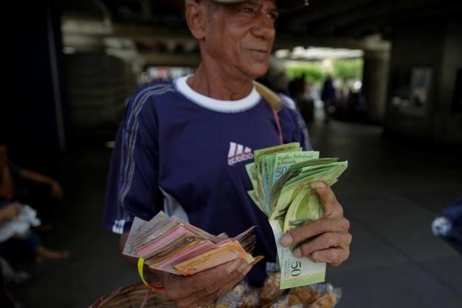 Venezuela hon loan anh 4
