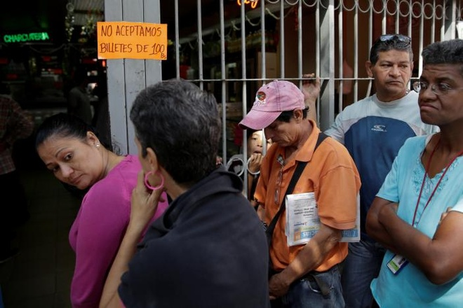 Venezuela hon loan anh 5
