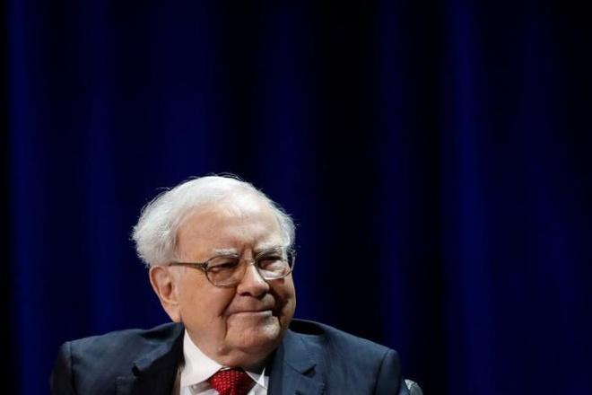 Warren Buffett dang dau tu vao dau? hinh anh 1