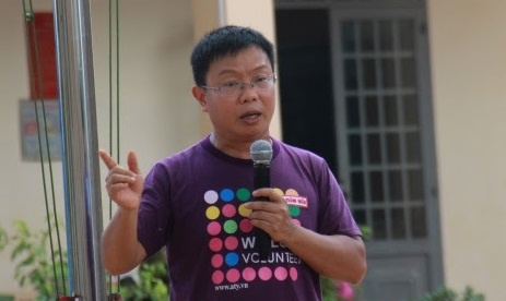 TS Nguyen Thanh Nhan: Nguoi lon kheo leo, tre se nhan ra loi lam hinh anh