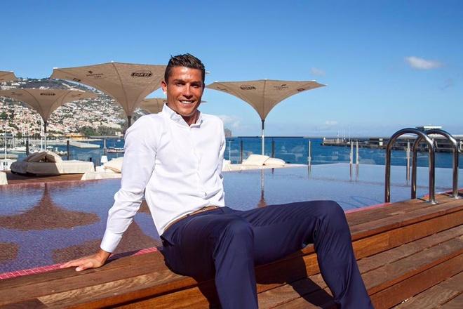 Chiem nguong khach san Cristiano Ronaldo lam chu hinh anh